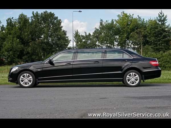 Mercedes limousine chauffeur hire for Mercedes benz car service